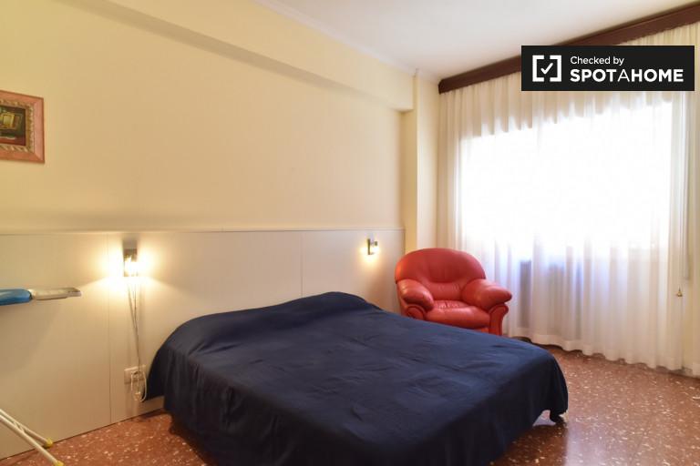 Przestronny pokój w apartamencie w Aurelio w Rzymie
