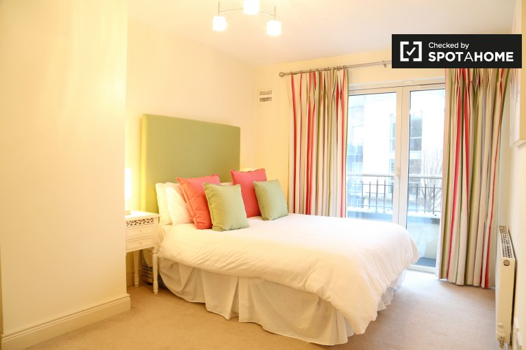 Comfortable room in 4-bedroom house in Terenure, Dublin