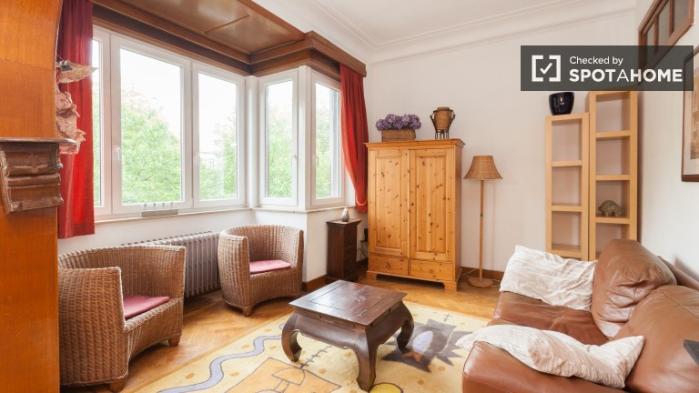 Charming 2 Bedroom Apartment in Schaerbeek - Brussels
