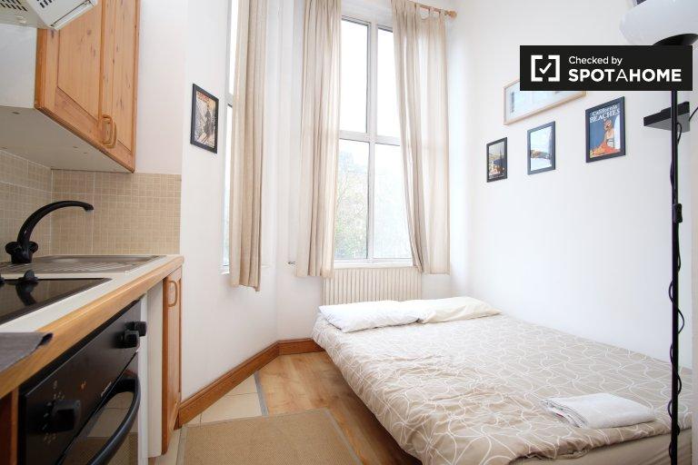 Studio-Wohnung zu vermieten in Earl's Court, London