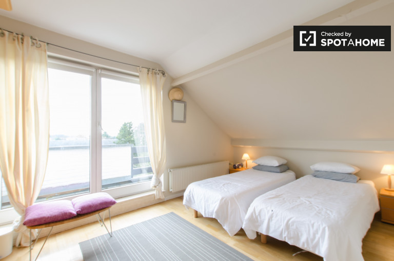 1-bedroom apartment for rent in Japanese tower, Brussels