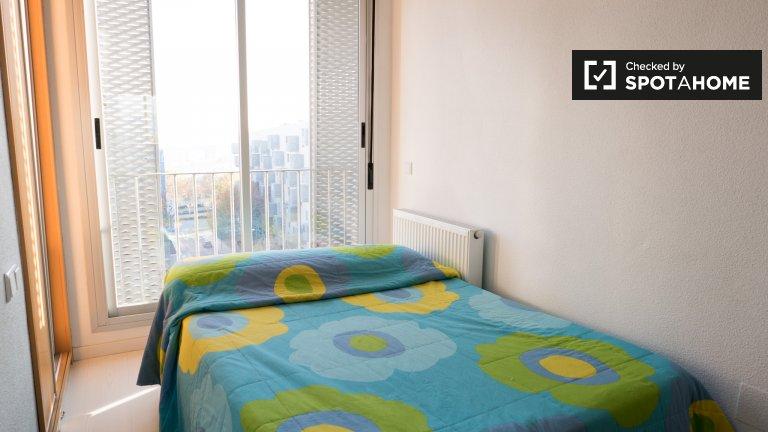 Pokój z balkonem do wynajęcia w Carabanchel, Madryt