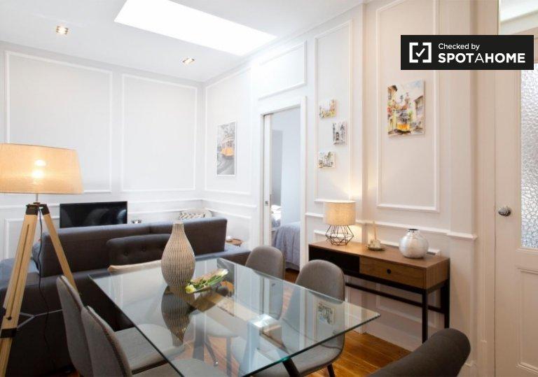 Chambre dans un appartement de 4 chambres à Arroios, Lisboa