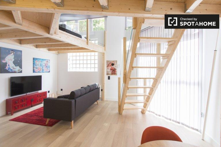 Studio apartment to rent in Fuente del Berro, Madrid