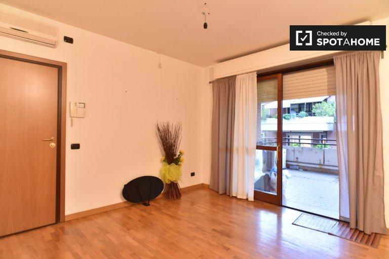 Bright 1-bedroom apartment to rent, Ponte Galeria-La Pisana