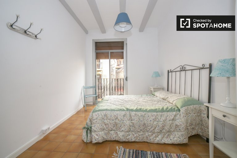 Comfortable room for rent in Poble-sec, Barcelona