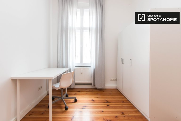 Pokój do wynajęcia w 3-pokojowym mieszkaniu w Friedrichshain