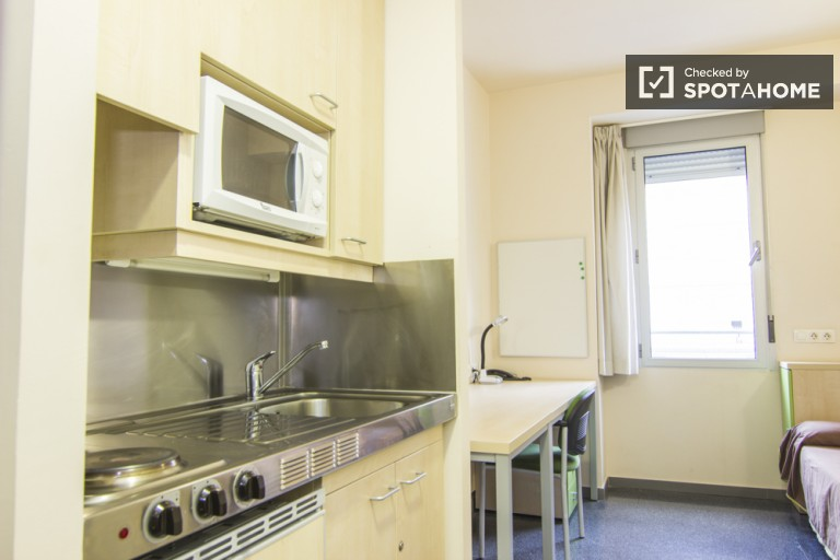 Room type B - single rooms with shared kitchen