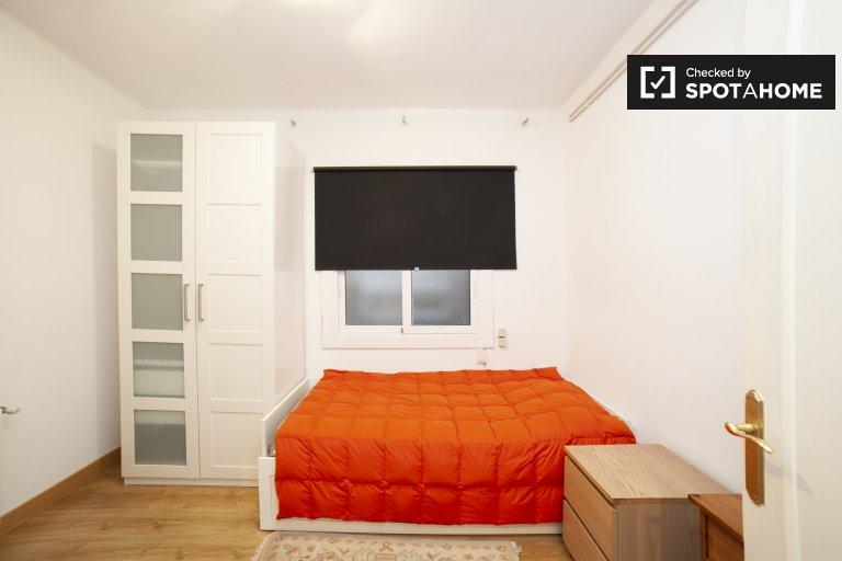 Gemütliches Zimmer zu vermieten in Les Corts, Barcelona