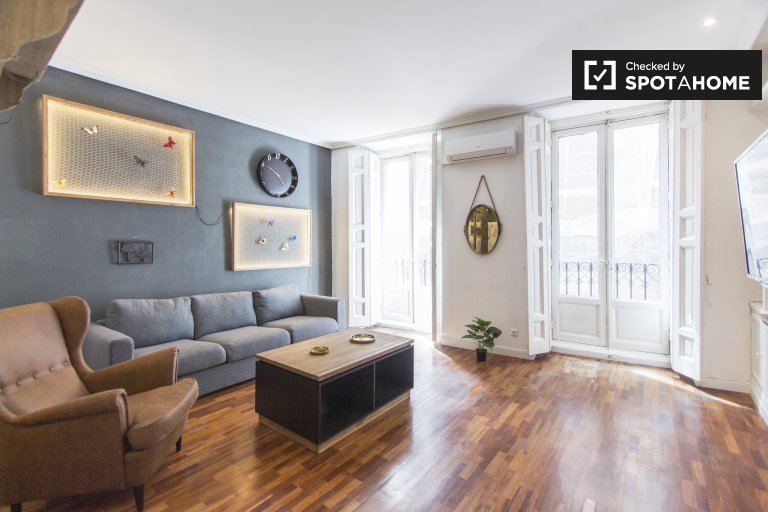 Stylish 2-bedroom apartment  for rent in Malasaña, Madrid