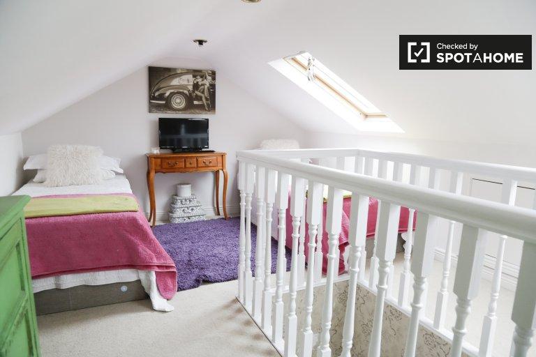 Zimmer zu vermieten in 5-Zimmer-Wohnung in Blackthorn, Dublin