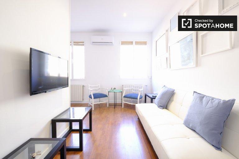Chic studio apartment for rent in La Latina, Madrid