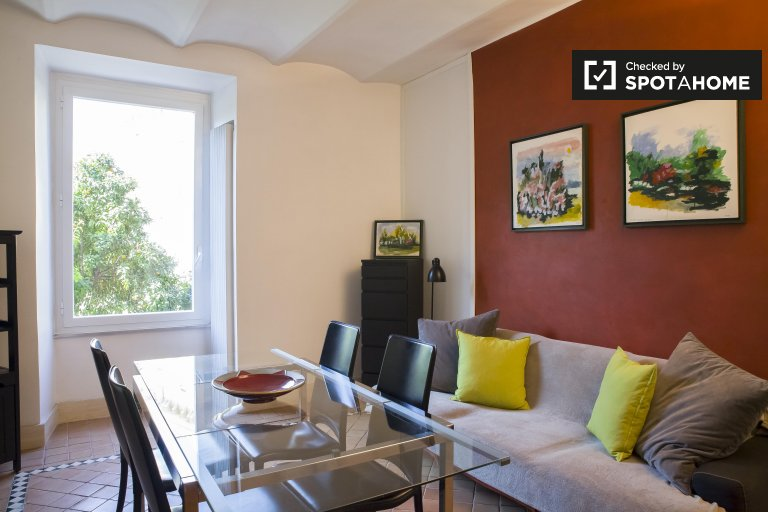 Appartement spacieux de 3 chambres à louer à Centro Storico