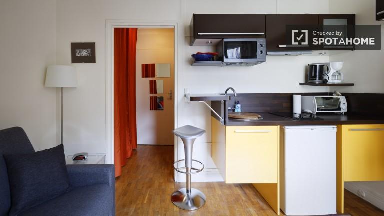 Functional 18m2 studio apartment for rent in Temple, Paris