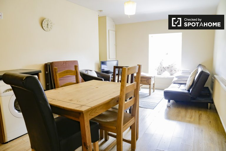 1-bedroom flat to rent in Fairview, Dublin