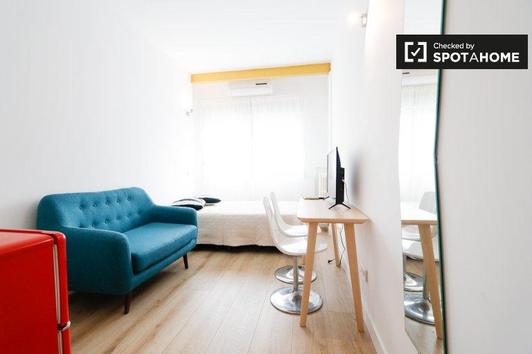 Quarto elegante para alugar em Ventas, Madrid