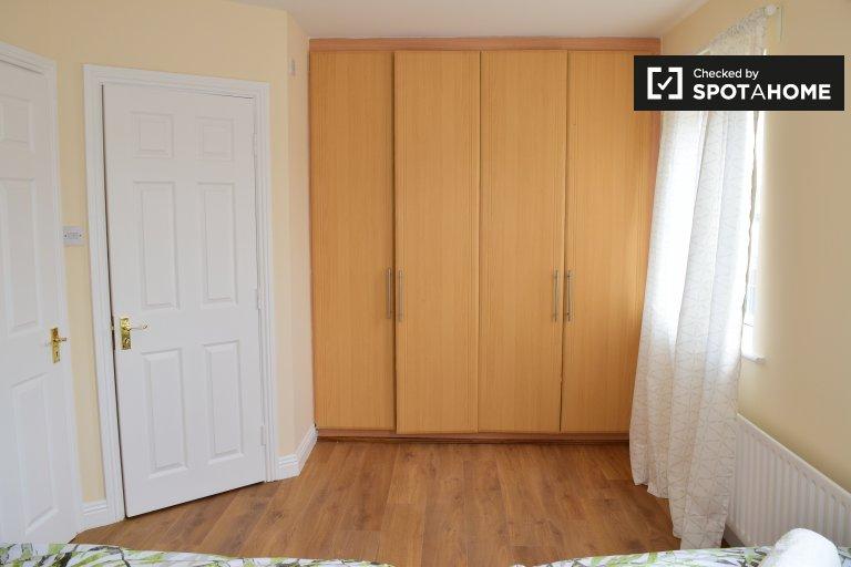 Geräumiges Zimmer zur Miete in Tyrrelstown, Dublin