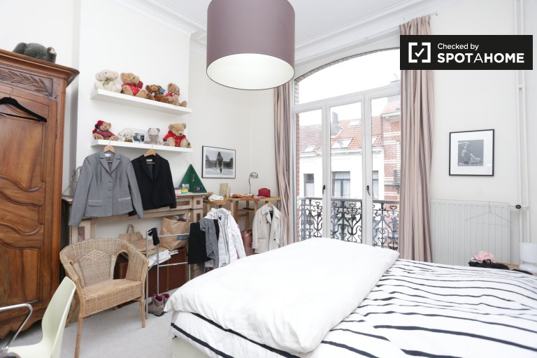 Room for rent 3-bedroom house in European Quarter Brussels
