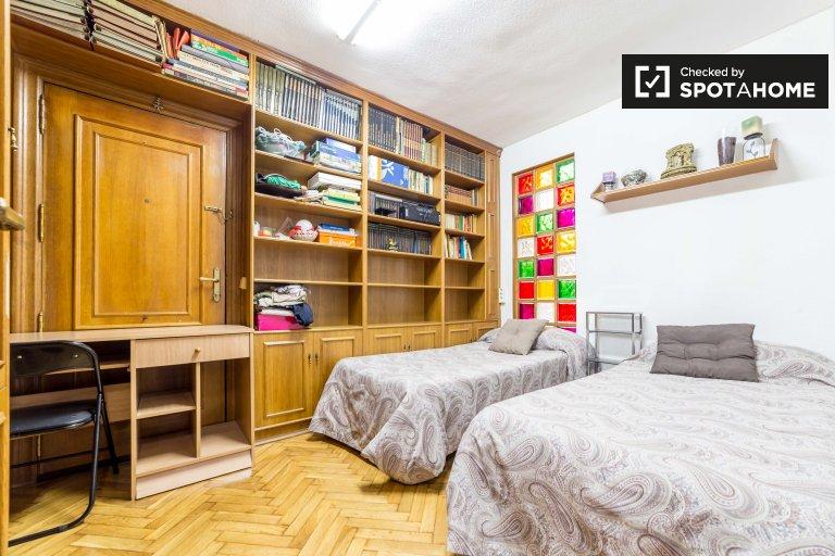 Chambre double à louer dans un appartement de 4 chambres à Valence