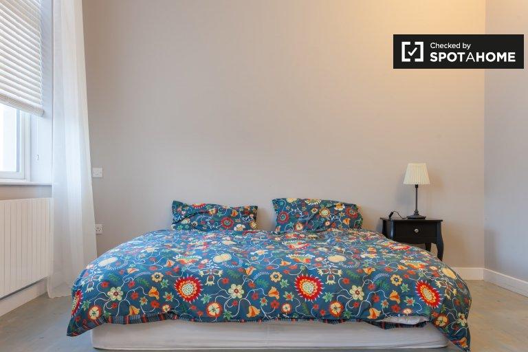 Chambre confortable dans un appartement partagé avec 4 chambres à Ashtown, Dublin