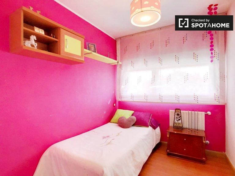 Chambre individuelle à louer, appartement de 4 chambres à coucher, Usera, Madrid