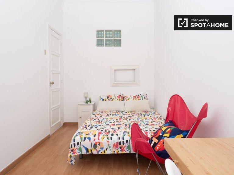 Pokój do wynajęcia w słodkim apartamencie z 2 sypialniami w Ajuda w Lizbonie