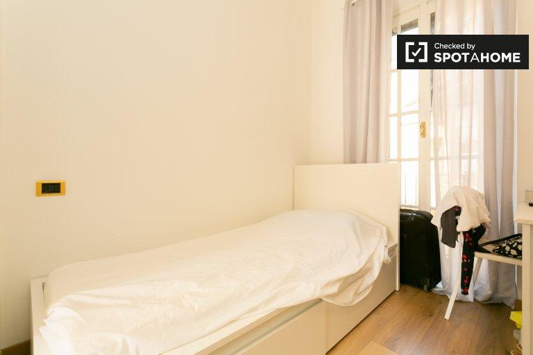 Habitación cómoda en alquiler en el Duomo, Milán.