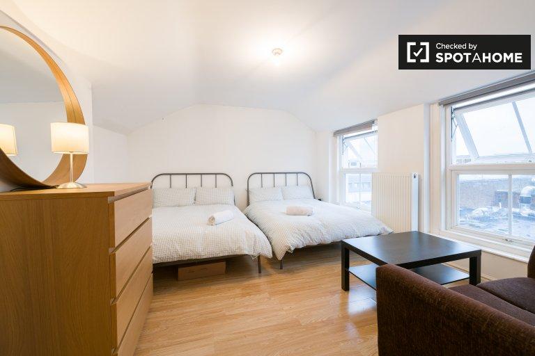 Zimmer zu vermieten in 4-Zimmer-Wohnung in Tower Hamlets