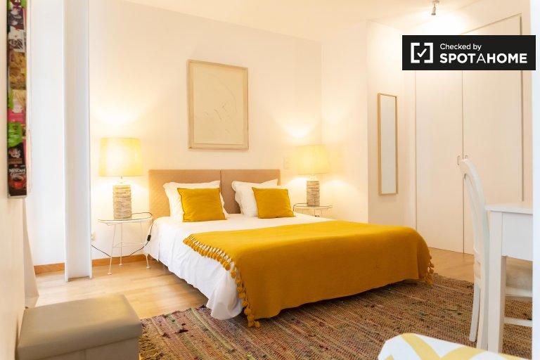 Helle 1-Zimmer-Wohnung zur Miete in Chiado, Lissabon