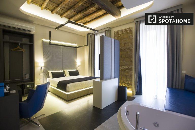 Camera moderna in appartamento con 5 camere da letto in Centro Storico, Roma