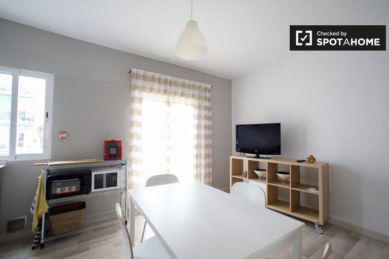 Piękne 2-pokojowe mieszkanie do wynajęcia w Rascanya, Valencia