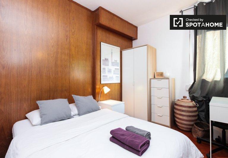 Helles Zimmer zur Miete in der 4-Zimmer-Wohnung Horta-Guinardó