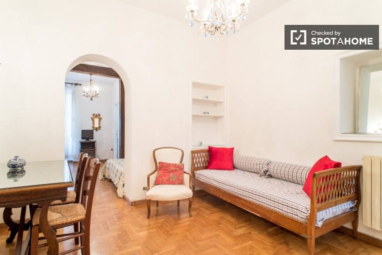 Peaceful 1-bedroom apartment for rent in Trastevere, Rome