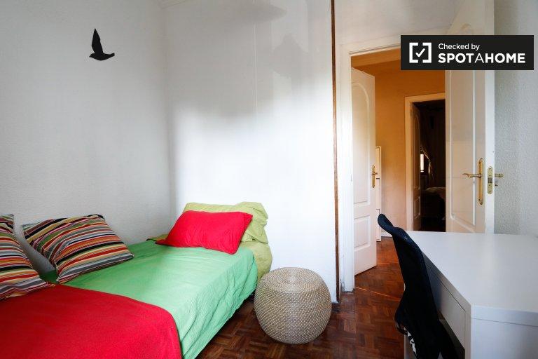 Madrid, Hortaleza'da 3 yatak odalı kiralık daire