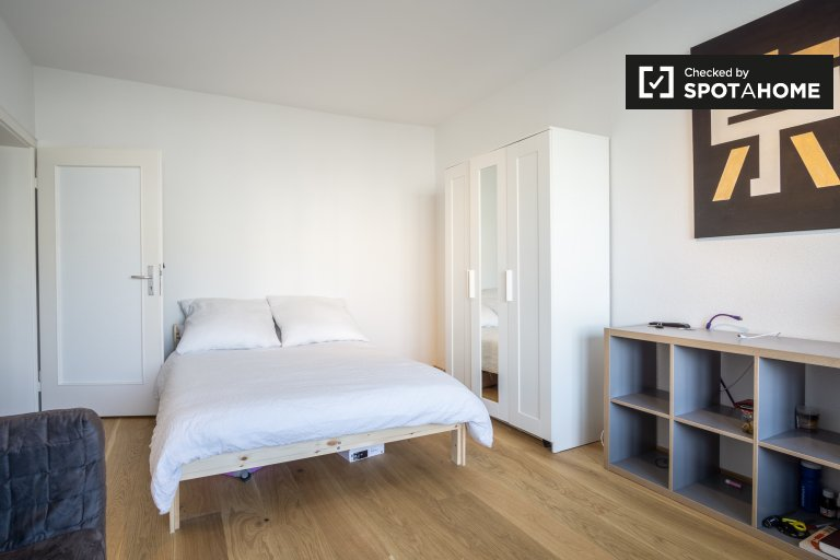 Cozy room in shared apartment in Treptow-Köpenick, Berli