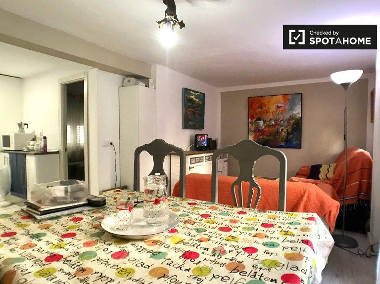 Ciudad Lineal, Madrid'de kiralık 1 yatak odalı daire