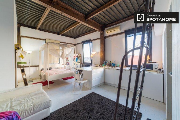 Apartamento legal para alugar em Poblenou, Barcelona