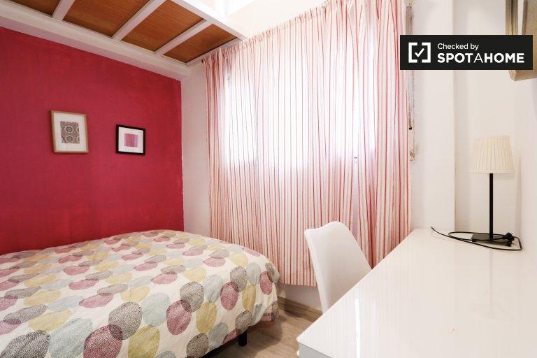 Gemütliches Zimmer in einem 5-Zimmer-Haus in San Blas, Madrid