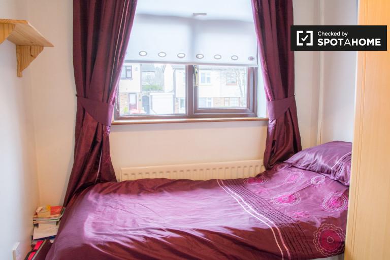 Quarto intemporal em apartamento de 3 quartos em Monksfield, Dublin