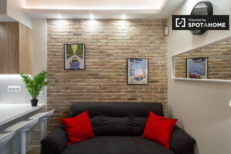 Elegante apartamento de 4 dormitorios en alquiler en Sants, Barcelona