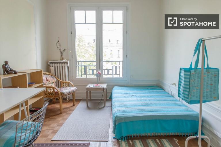 Chambre à louer à des étudiants dans l'appartement - Observatoire, Paris