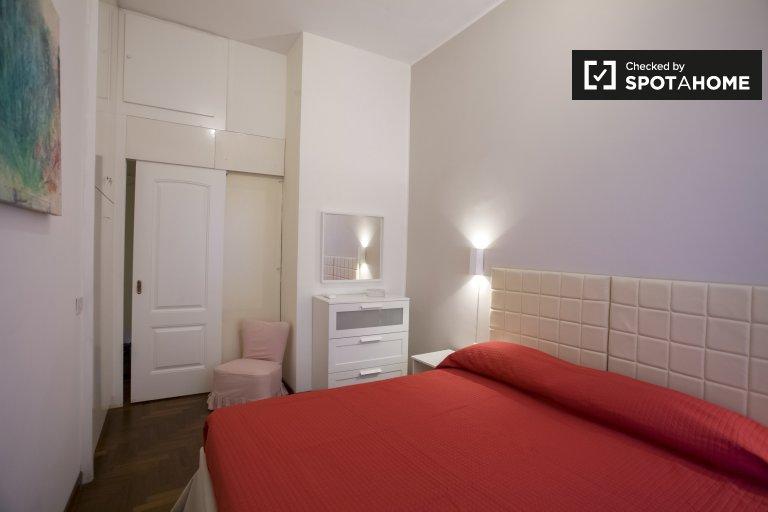 Se alquila habitación en piso de 3 habitaciones con balcón