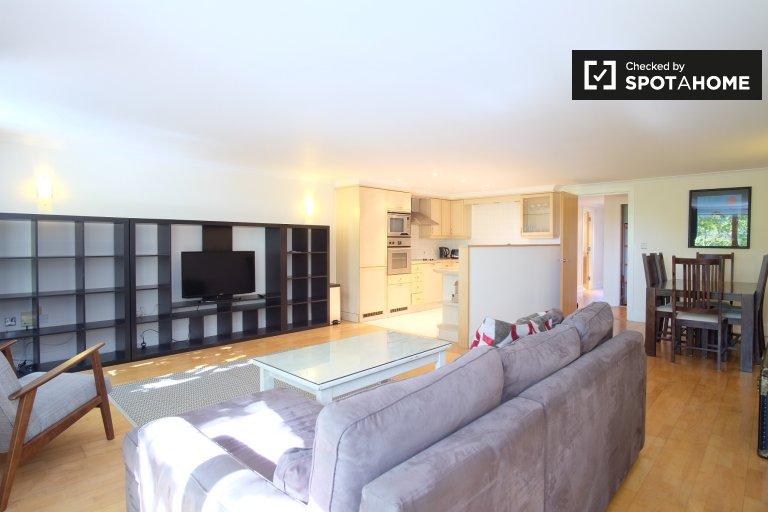Wyszukane 2-pokojowe mieszkanie do wynajęcia w Chiswick, Londyn