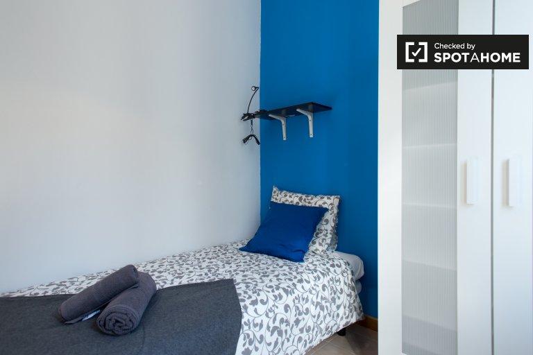 Sonniges Zimmer in 4-Zimmer-Wohnung in Poble Sec, Barcelona
