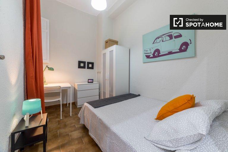 Przytulny pokój w apartamencie z 6 sypialniami, L'Eixample, Valencia