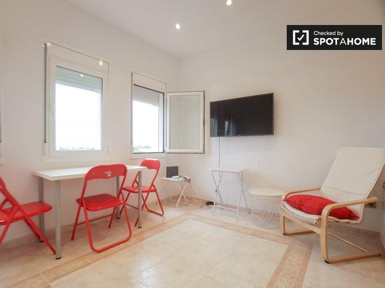 Apartamento de 2 quartos com vista para o mar para alugar, Vila Olímpica