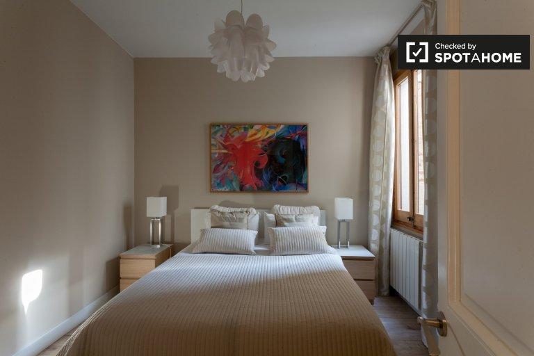 Stilvolles Zimmer in einer 4-Zimmer-Wohnung in Sant Antoni, Barcelona