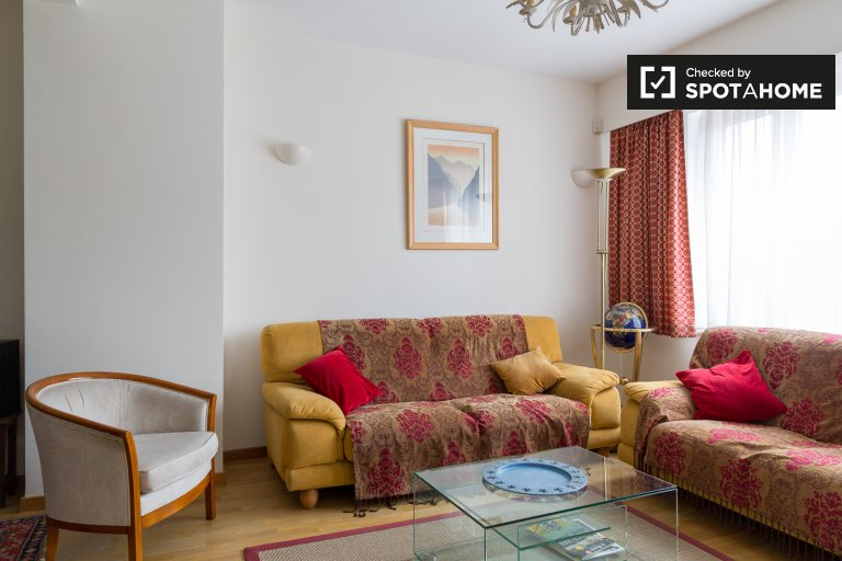 Spacious 3-bedroom house with garden to rent in Wezembeek-Oppem
