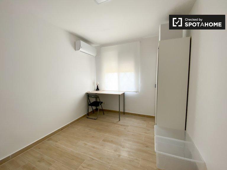 Chambre lumineuse à louer, appartement de 3 chambres, Poblats Marítims