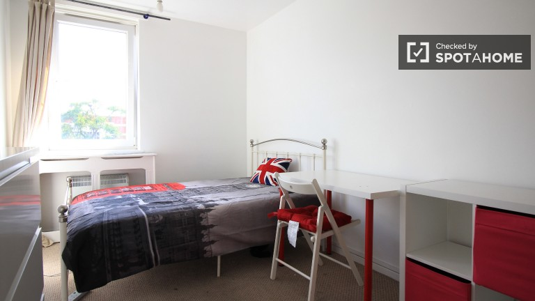 Bedroom 4, couple-friendly with double bed